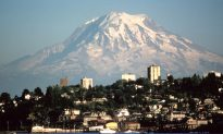 Swarm of Tremors Shakes Active Volcano by Seattle