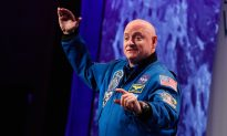 Scott Kelly Reveals How Living in Space Made Him Different From Twin Brother