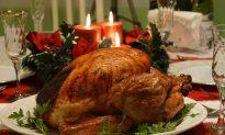Grandma Accidentally Invites Stranger to Thanksgiving 2016, They Reunite for Thanksgiving 2017