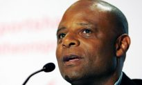 Hall of Fame Quarterback Warren Moon Accused of Harassment; He Denies Them