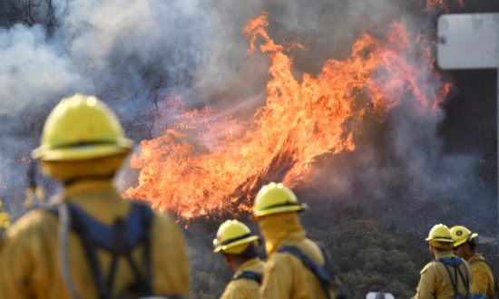 Crews Battling California Wildfires Gird for Return of High Winds