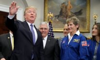 Trump Says US Will Go to Moon Again, Eventually Mars