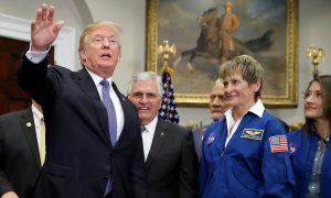 Trump Says US Will Go to Moon Again, Eventually Mars