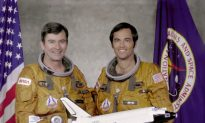 John Young, 'Most Experienced' U.S. Astronaut, Dies at 87
