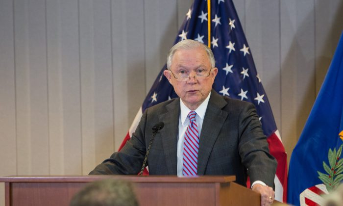 Sessions congratulates Trump for ending imaginary crime wave