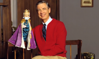 Tom Hanks to Star as Mister Rogers in 'You Are My Friend'