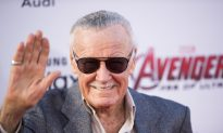 Detectives Arrive at Stan Lee's House After $1.4 Million Goes Missing