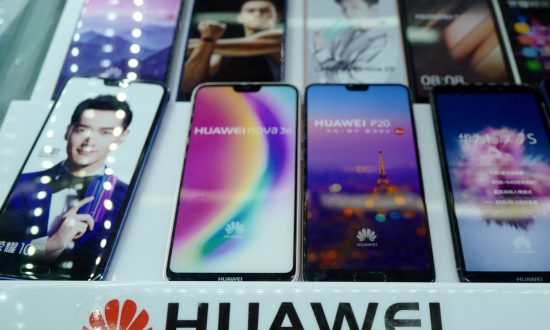 US Military Bases Remove Chinese-Made Huawei, ZTE Phones From Stores, Citing Security Concerns
