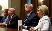 Trump Affirms Support of His Intelligence Agencies