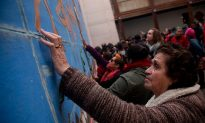Santiago Makes Murals Accessible to Visually Disabled